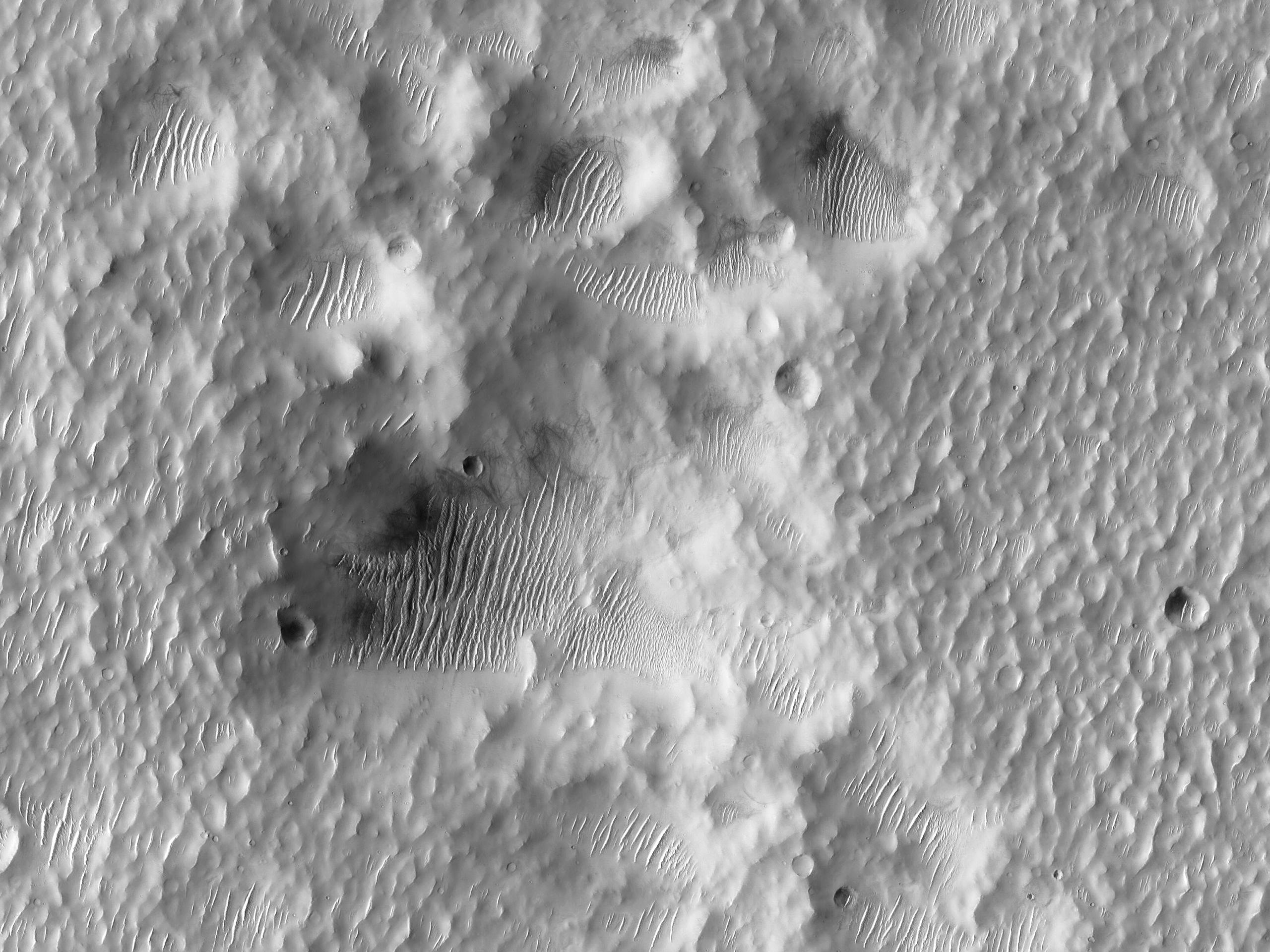 Terreno butterato all' interno del Cratere Bakhuysen