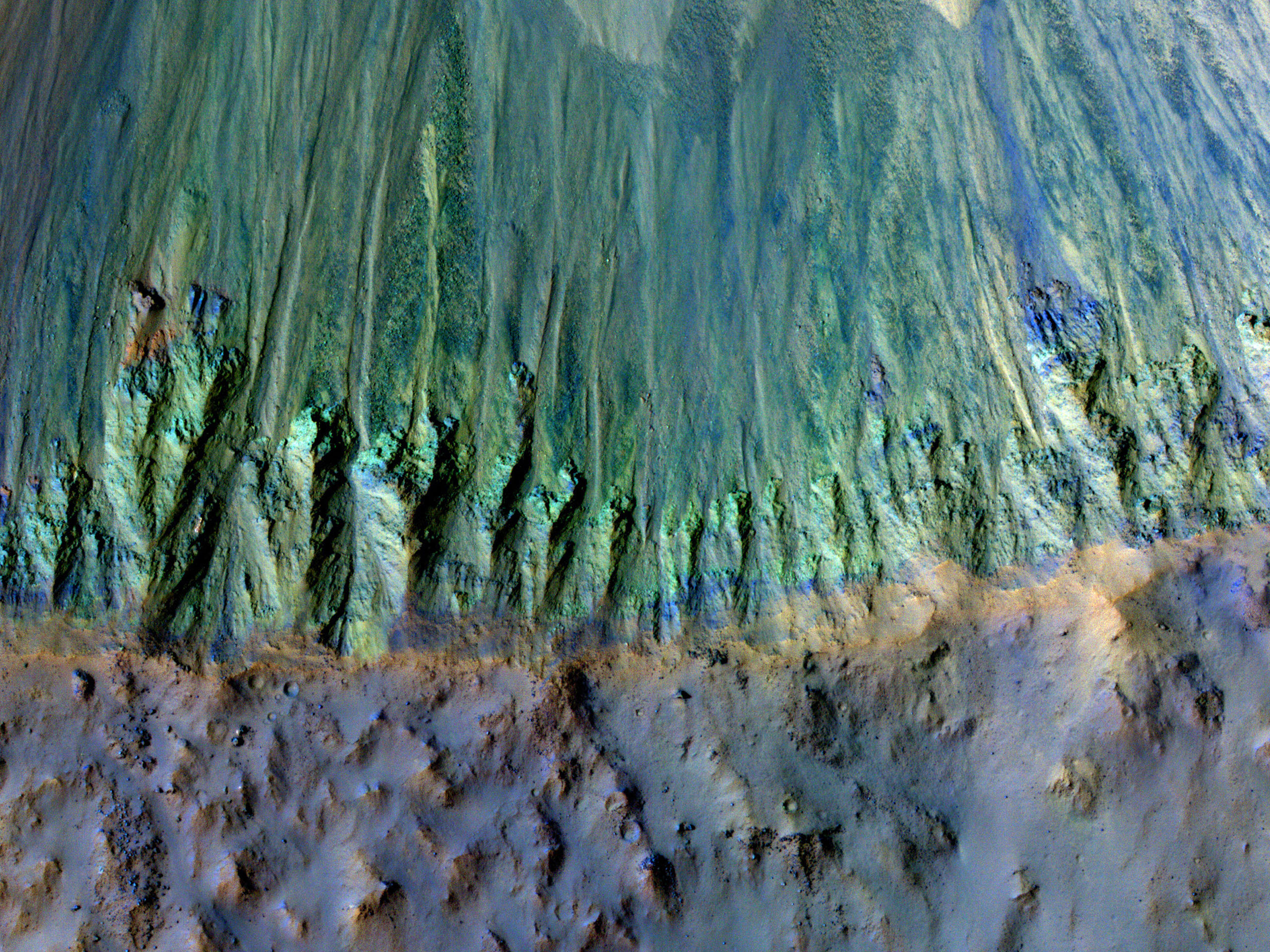 Differenti esposizioni in un cratere da impatto