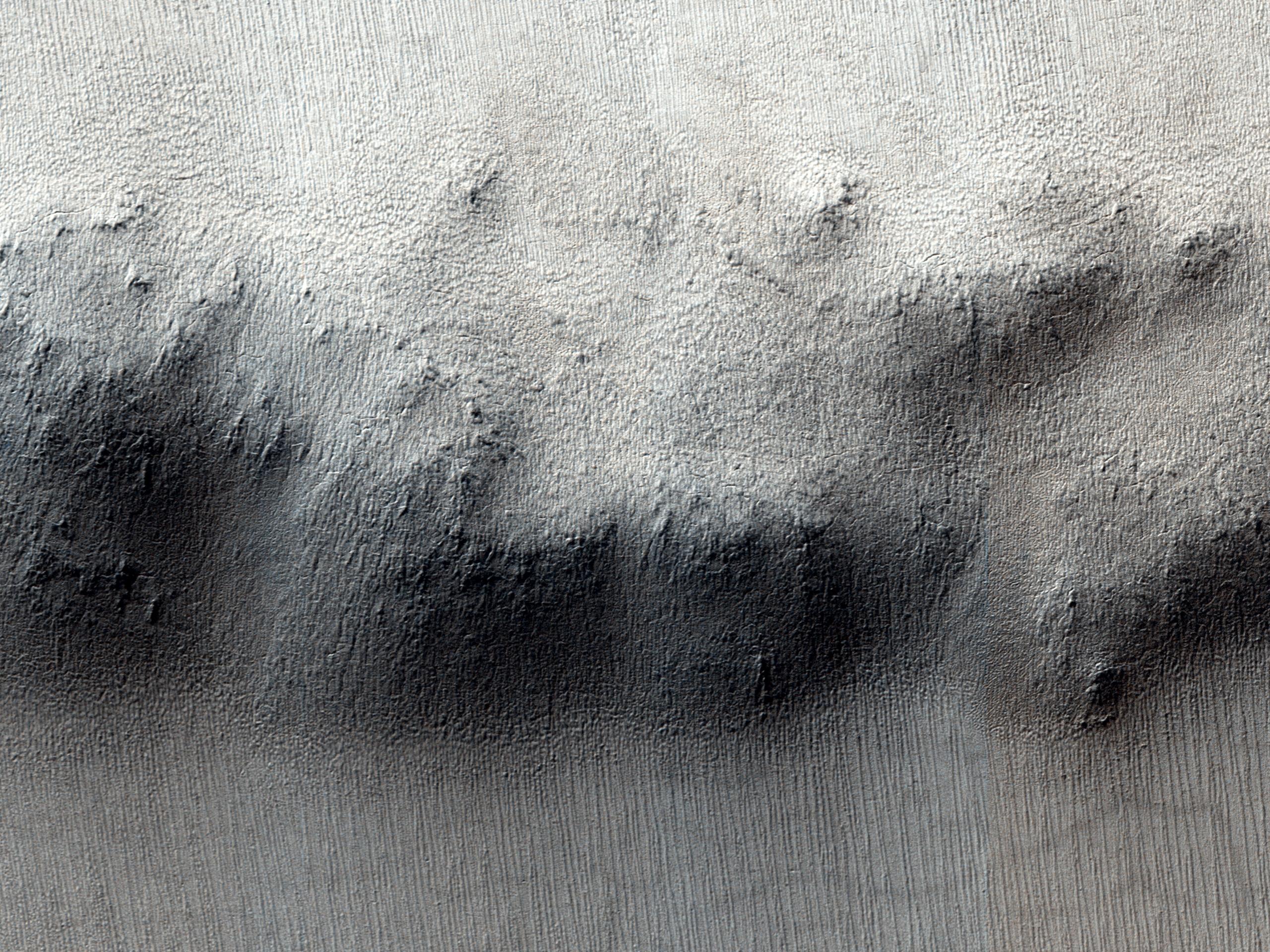 Hæð í setlagabunkanum við suðurpól Mars