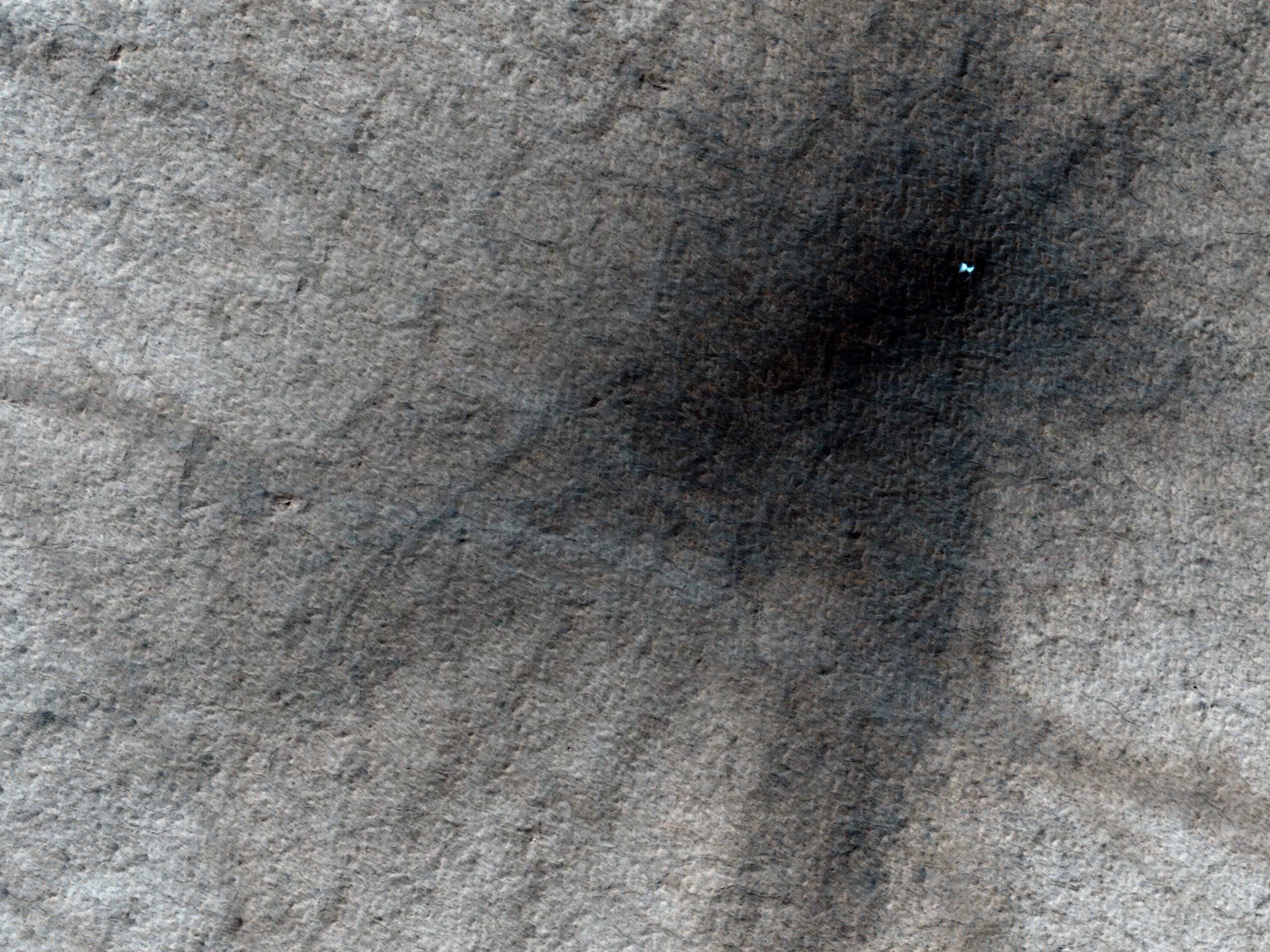 Ísaður gígur á Mars