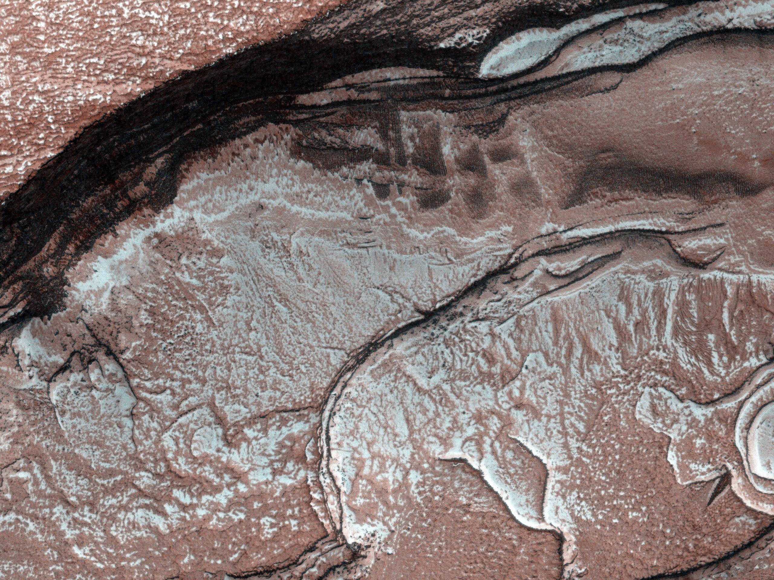 Diffuse Winter Lighting of the Chasma Boreale Scarp