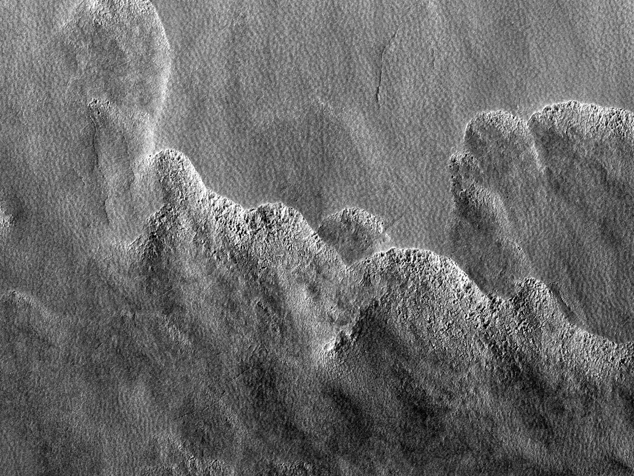 Teren la sud de Hellas Planitia