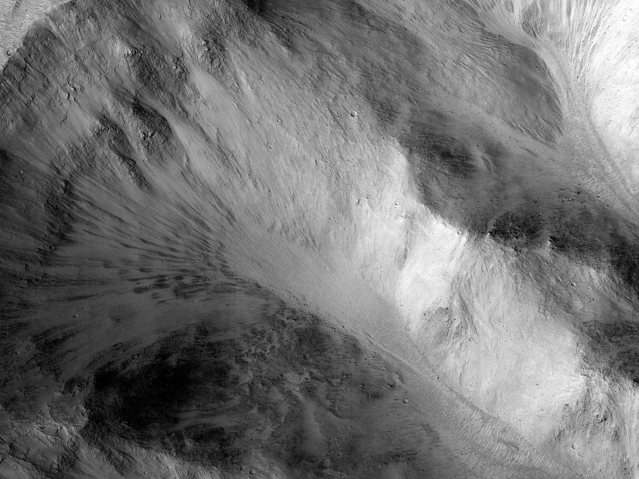 Mørk avleiring i Shalbatana Vallis