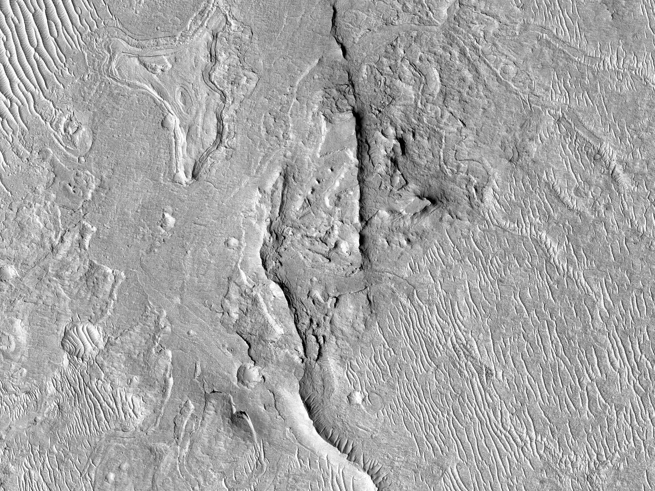 Stratificare fină și canale în Regiunea Aeolis