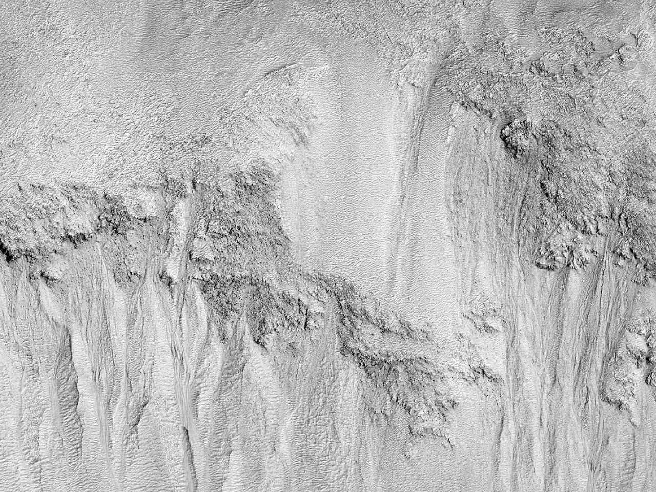 Sluk i en vegg i Galle-krateret