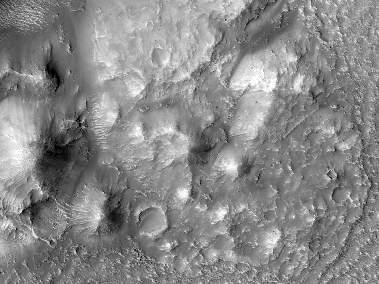 Materiale stâncoase în Terra Sirenum