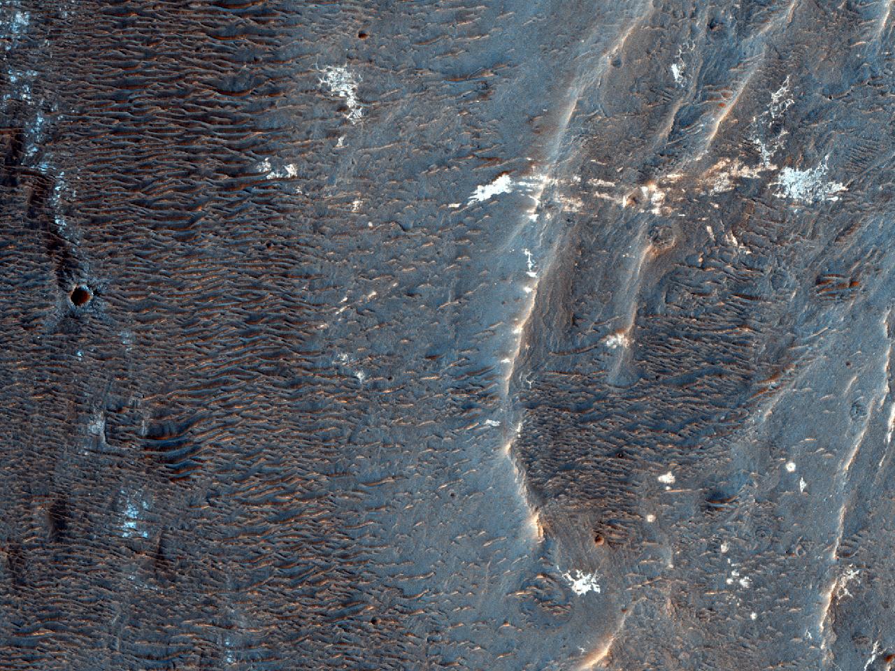 Sørlige kant og gulv av Vinogradov krateret