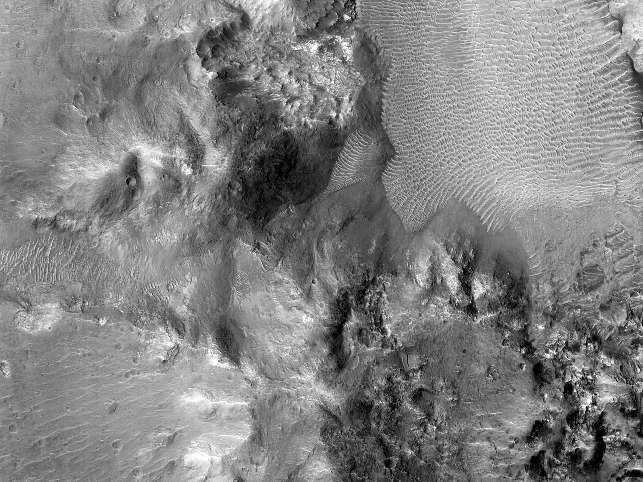 Structura centrală a unui crater de impact