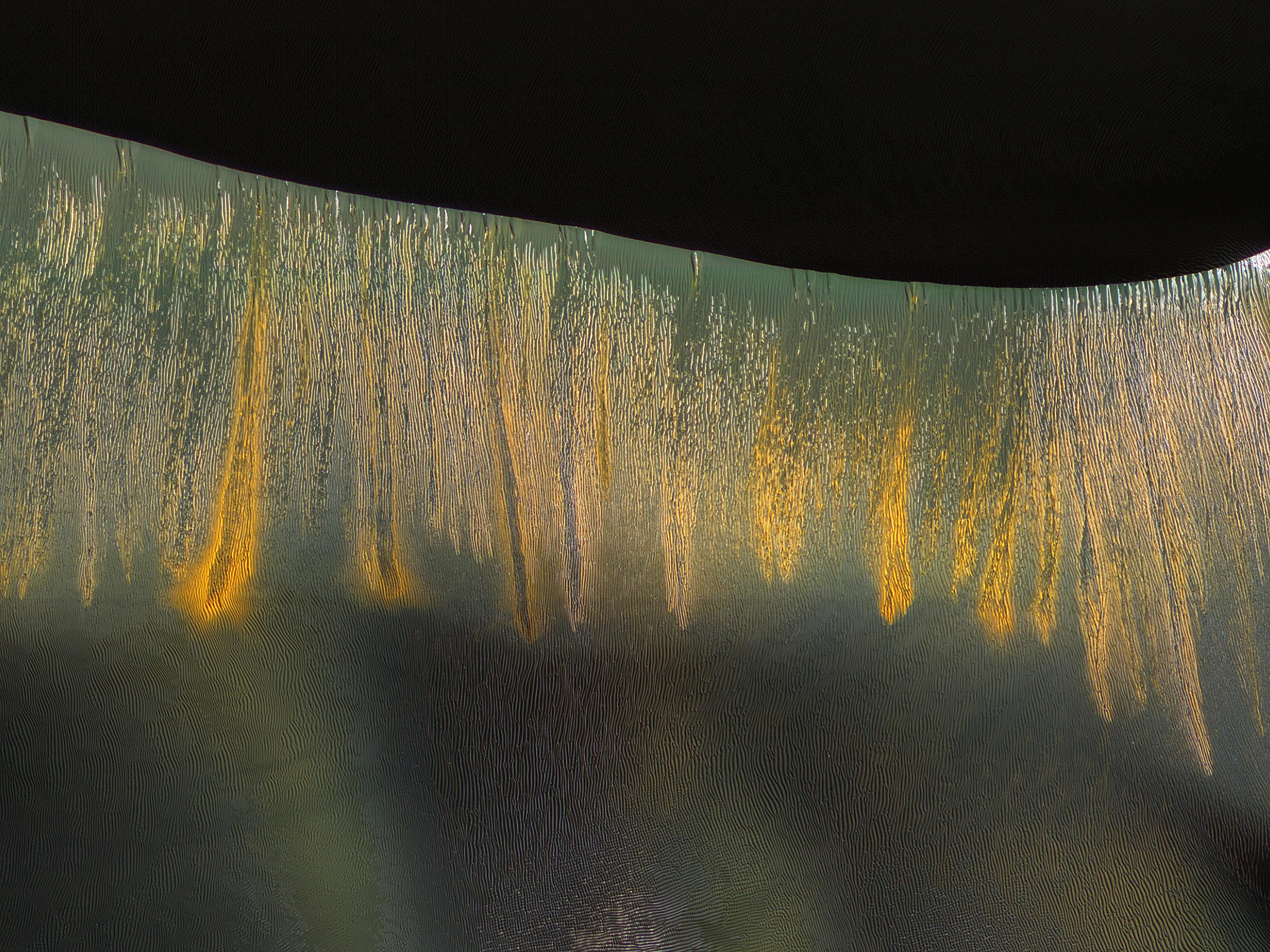 Glowing Gullies in Kaiser Crater Dunes