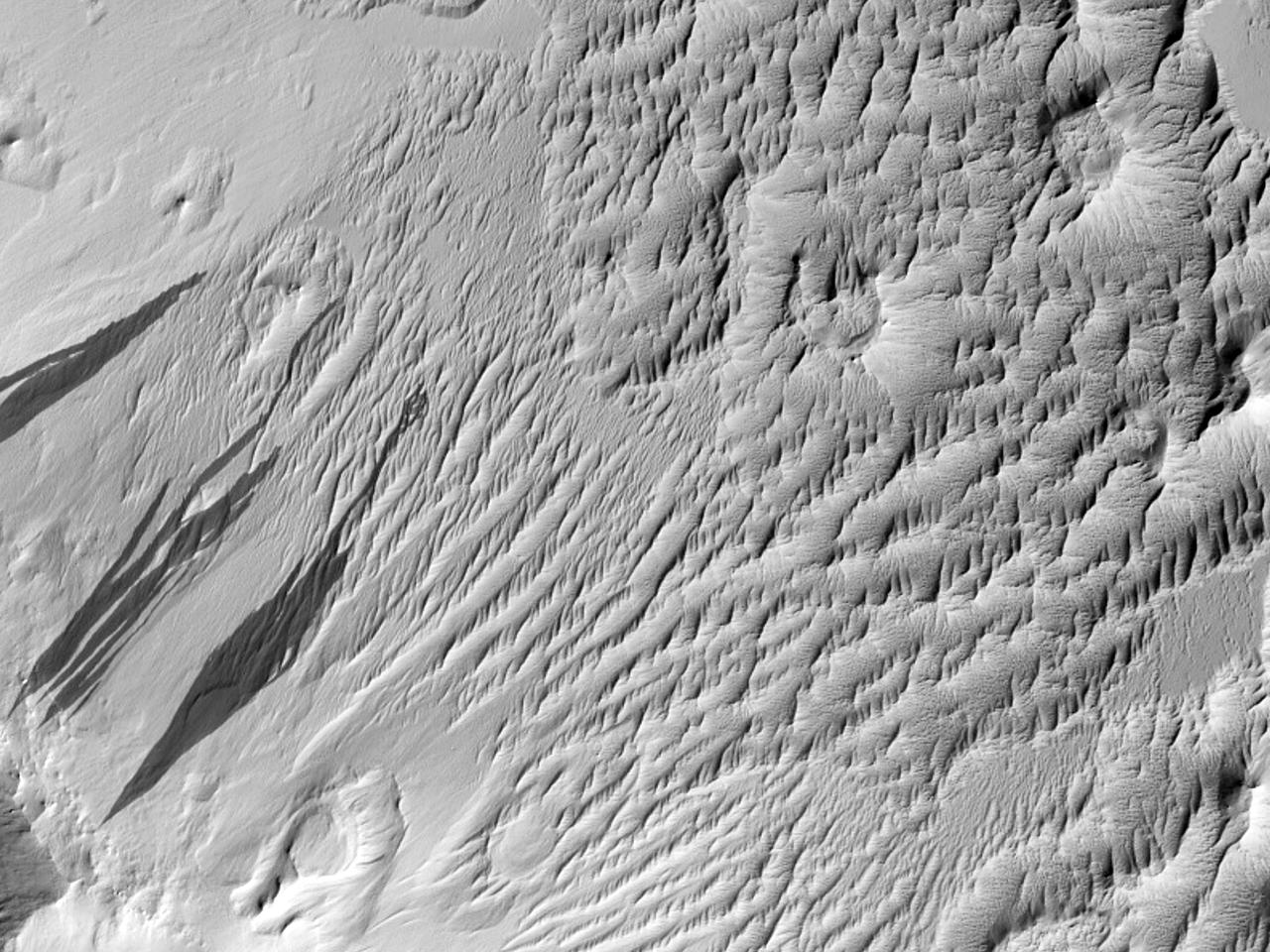 Prøve av terreng fra Mars ogerodert krater