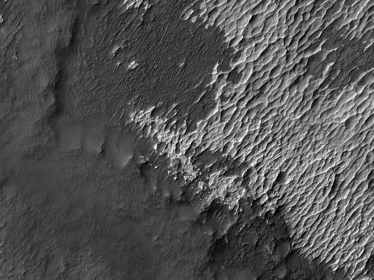 Cloruri și dune vechi în Terra Sirenium