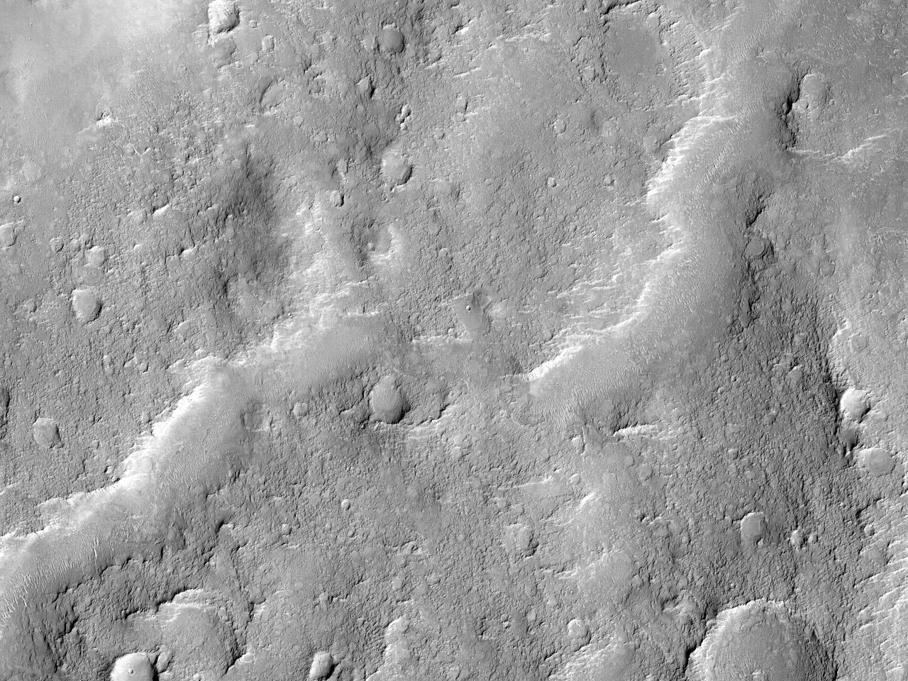 Canal in roca bazală la Nord de Craterul Gale