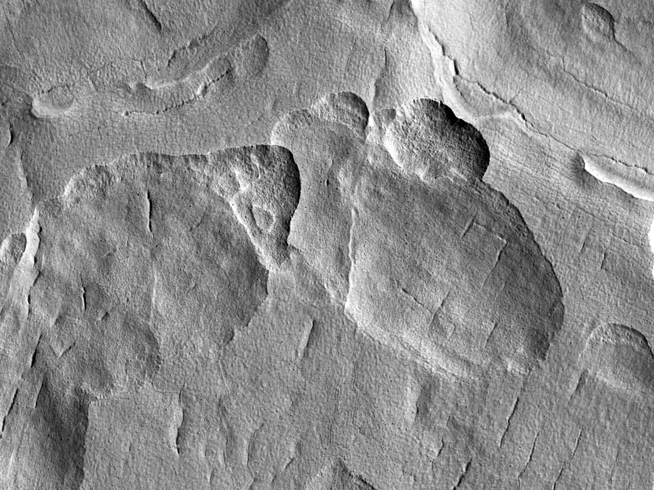 Krateravleiringer i Utopia Planitia