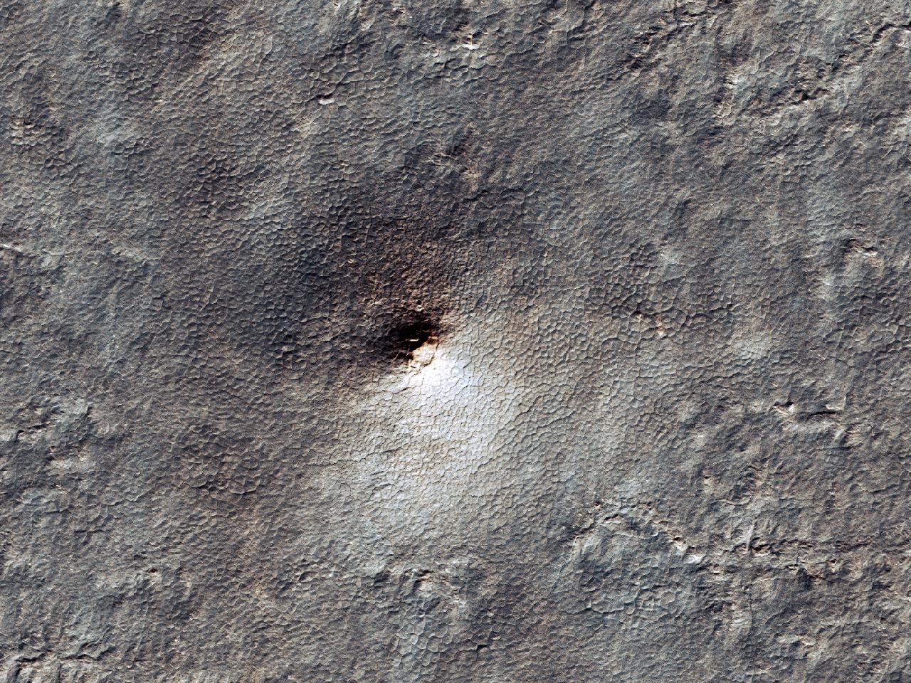 Предположительно, разрушенный ударный кратер