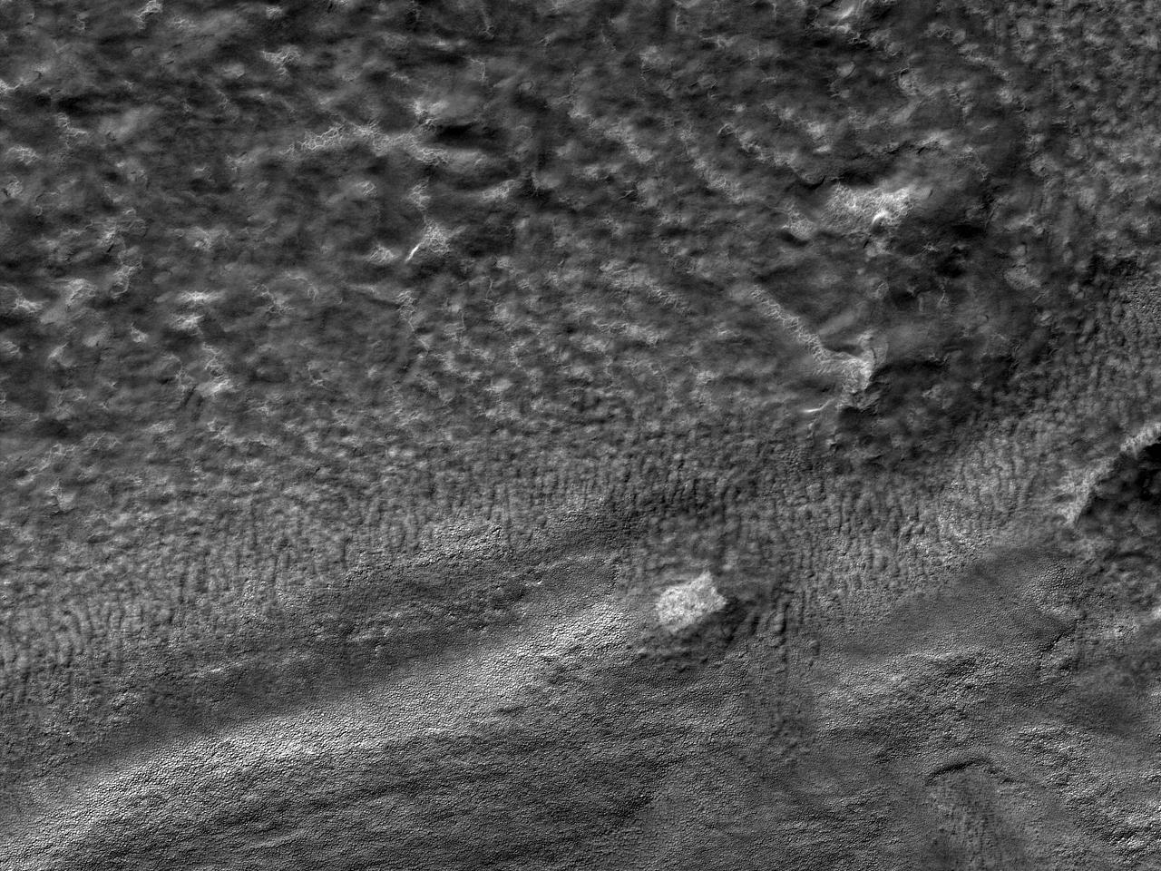 Kraterbunnen av Rayleigh-krateret