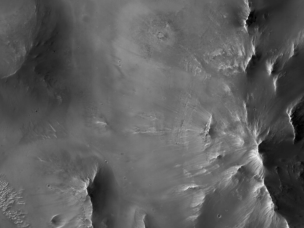 Аллювиальный конус выноса в кратере Mambali