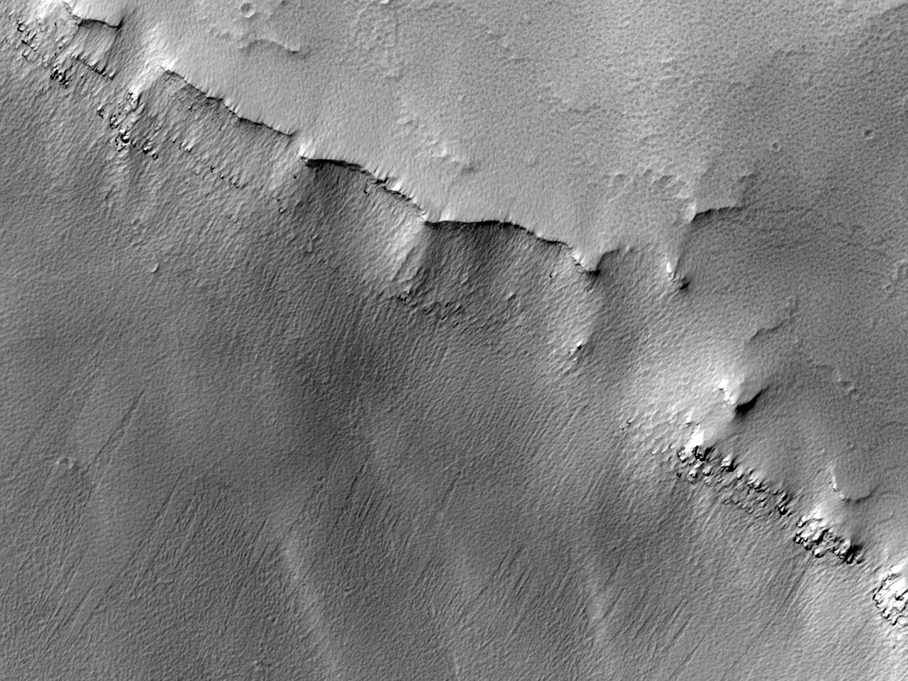 Straturi în Noctis Labyrinthus