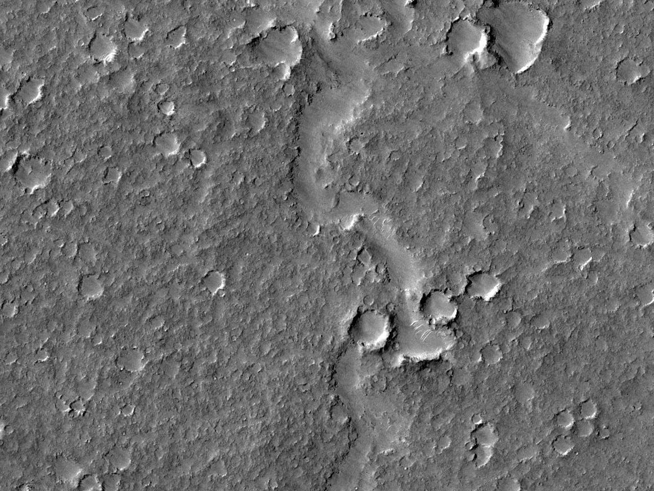 Геологический контакт на юге равнины Isidis Planitia