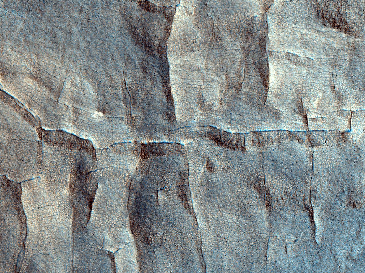 Crater de impact inversat în Vastitas Borealis