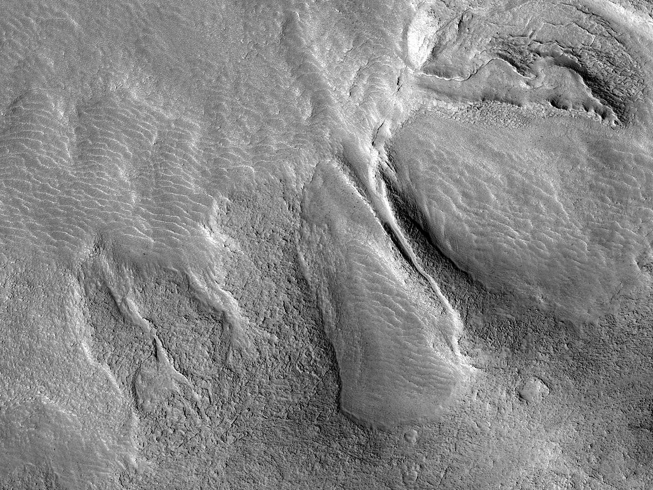 Strøm langs et platå i Protonilus Mensae