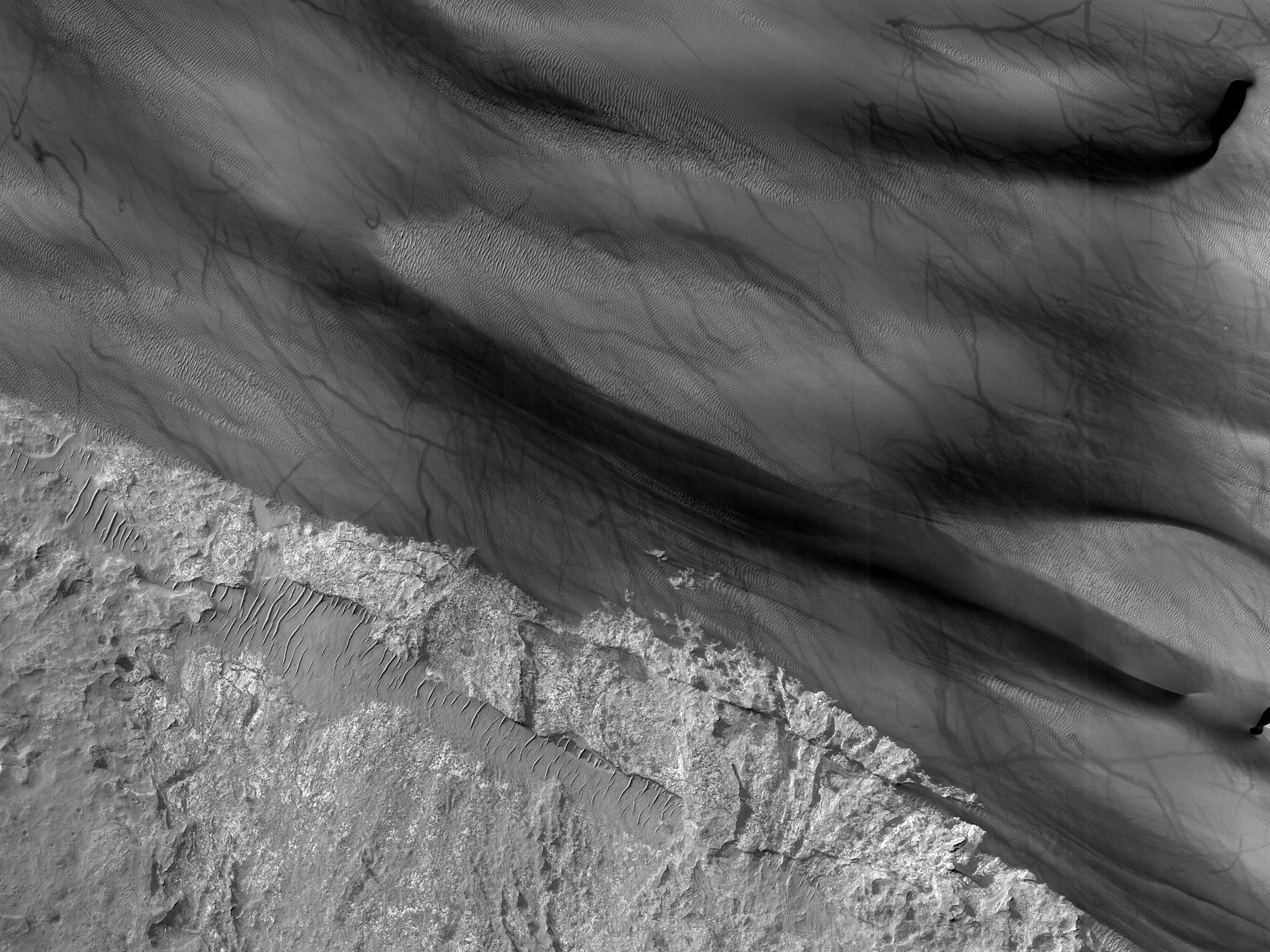 Переход от скального покрова к песчаному