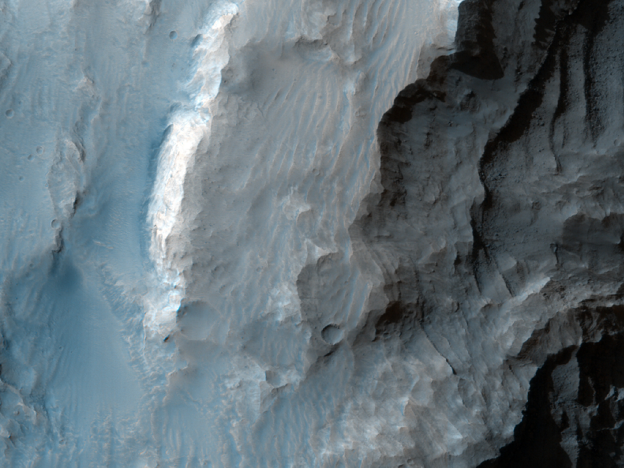 منحدرات في فوهة جيل (Gale Crater)