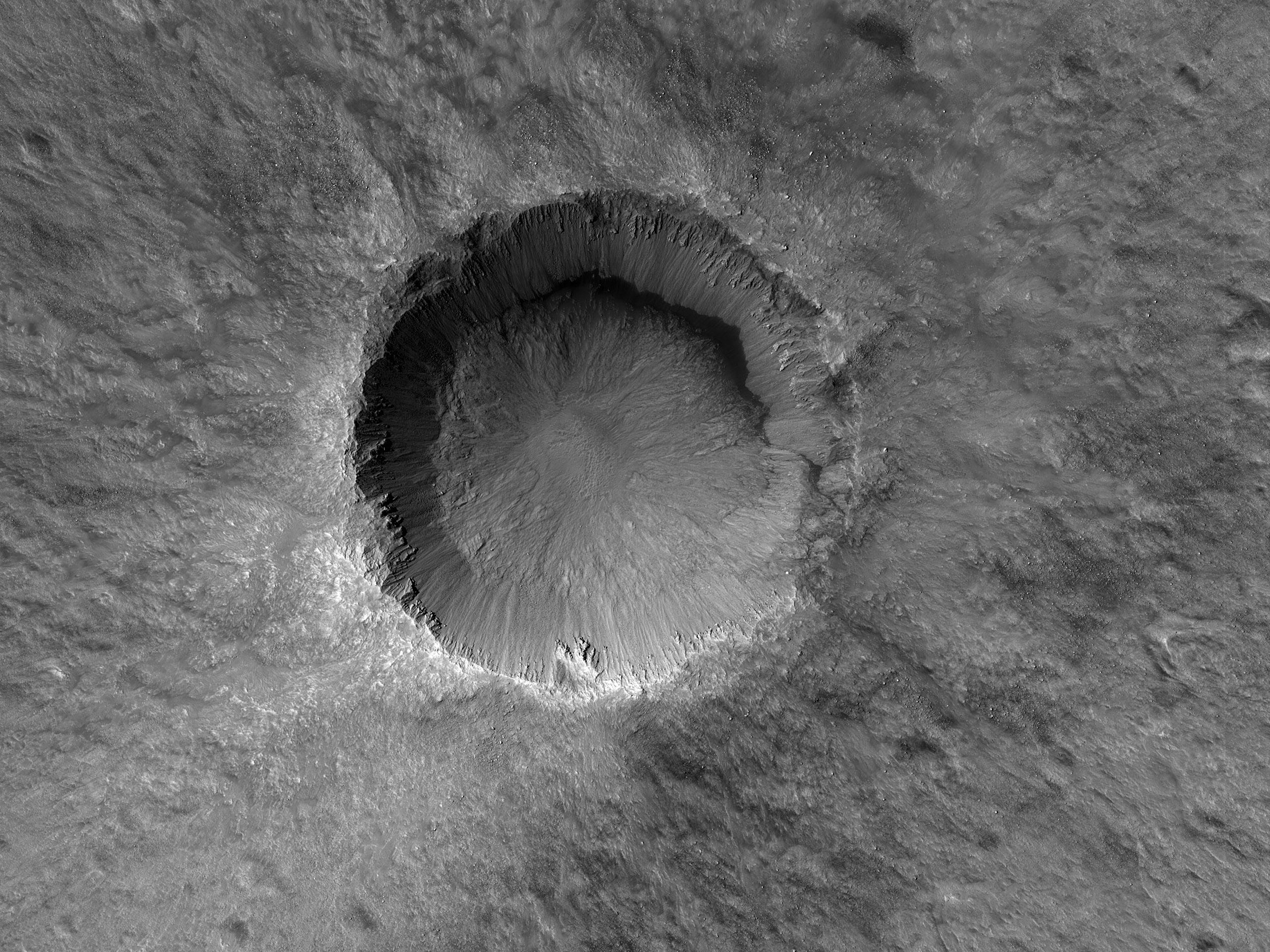 Jó állapotban megmaradt becsapódási kráter az Acidalia Planitia területén