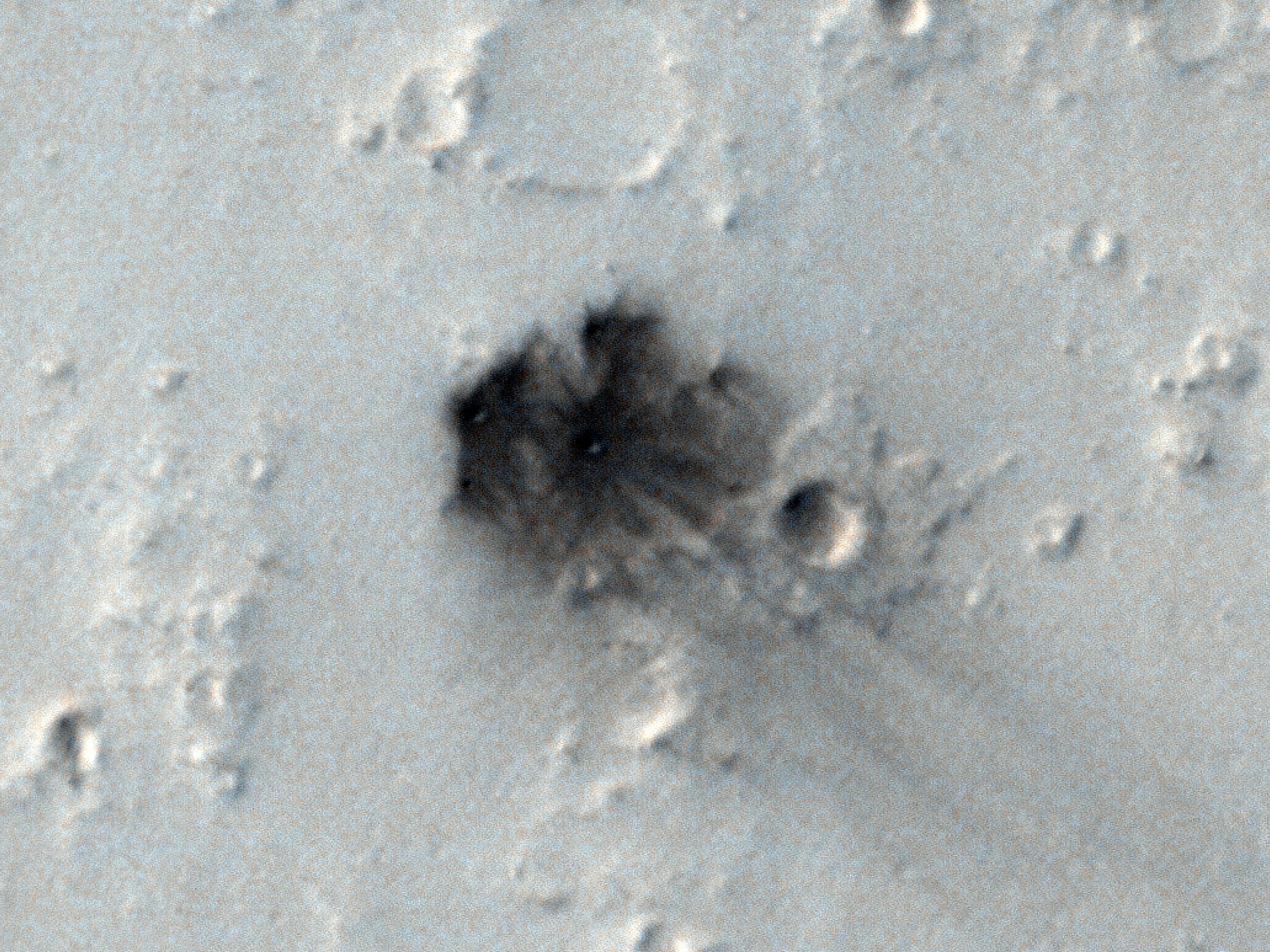 Feltételezett friss becsapódási kráter