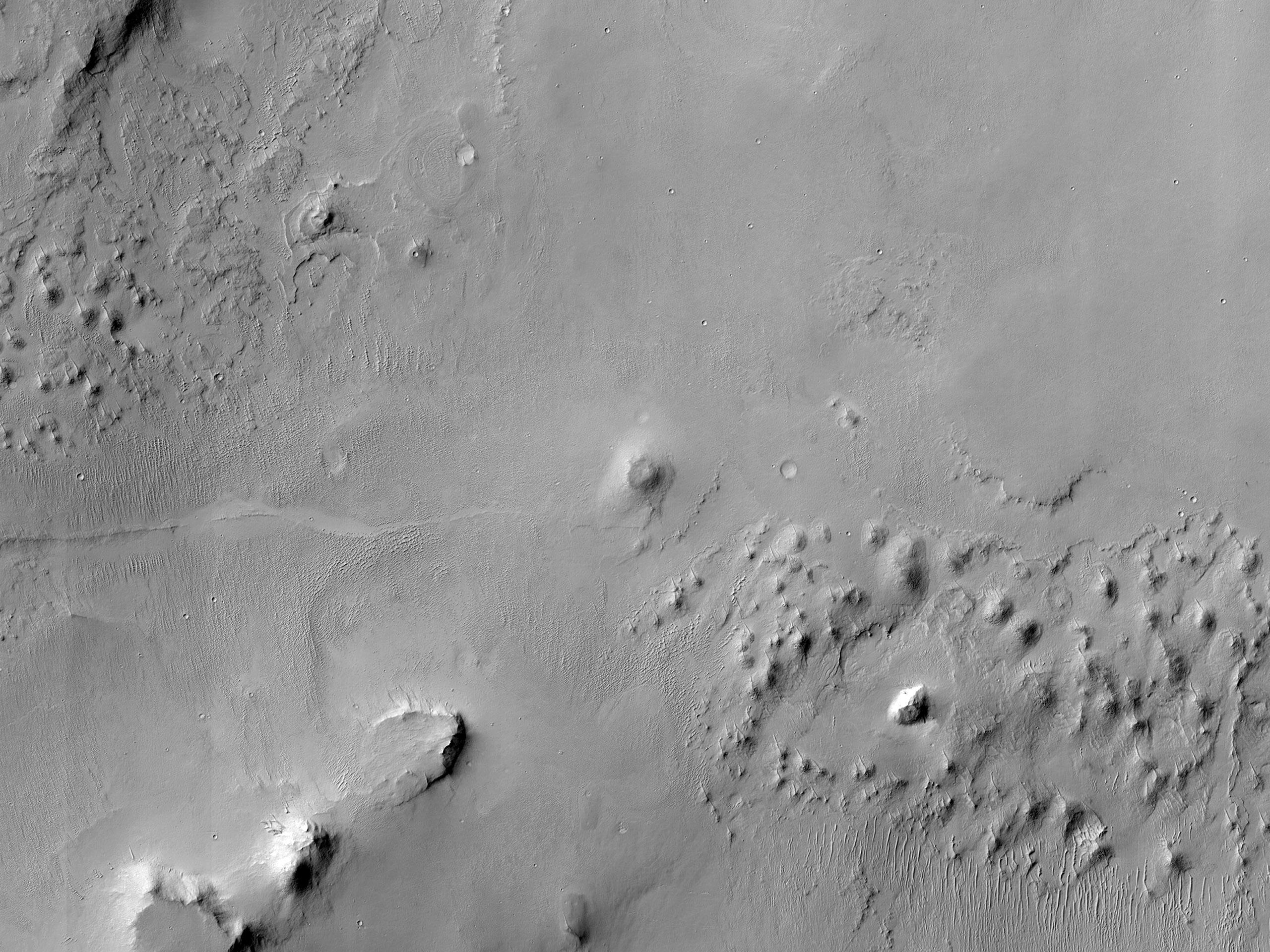 שטח בין מכתשים במרכז של ארץ טרה ערביה (Arabia Terra)