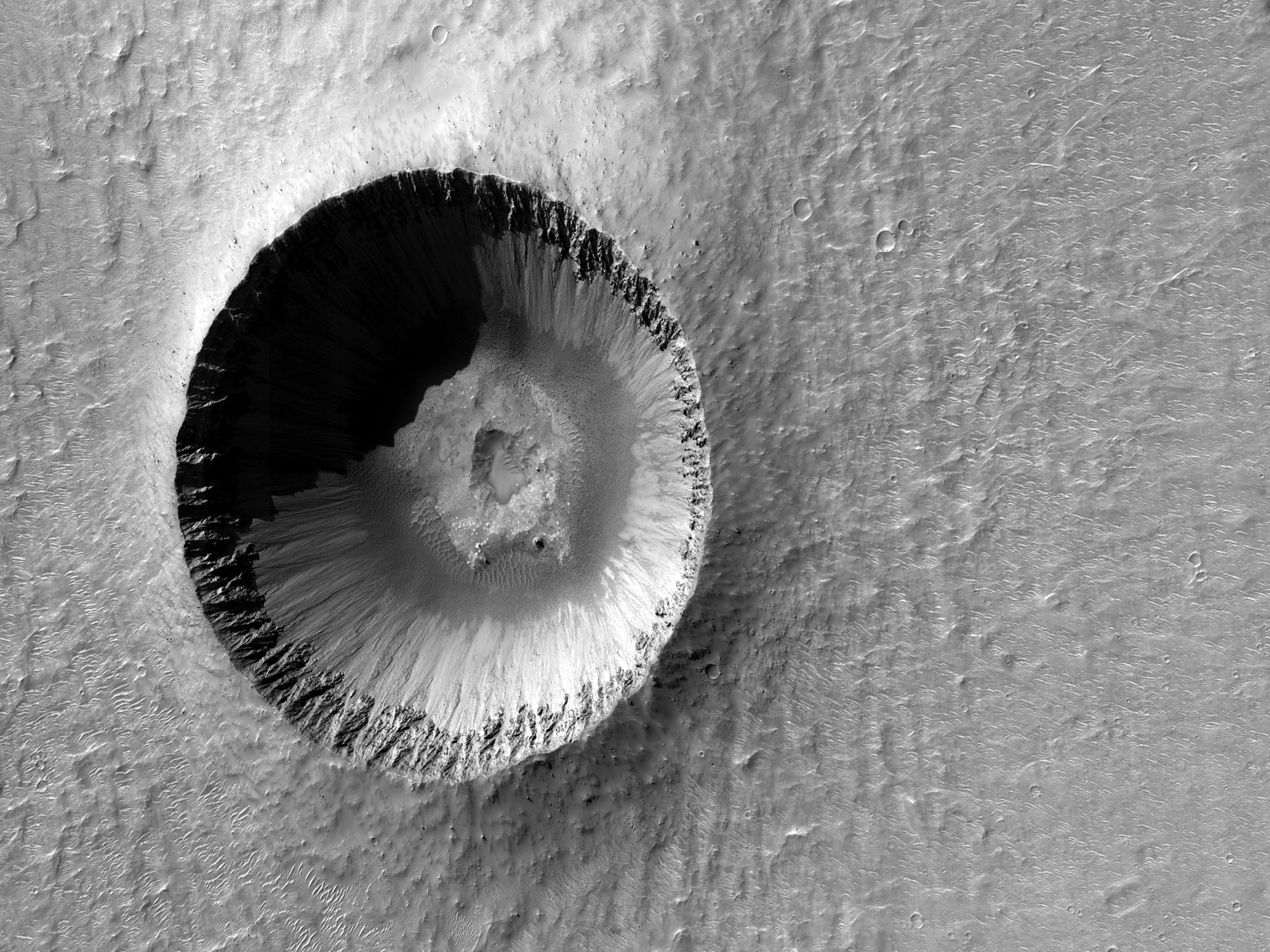 Cratere ben conservato in Margaritifer Terra