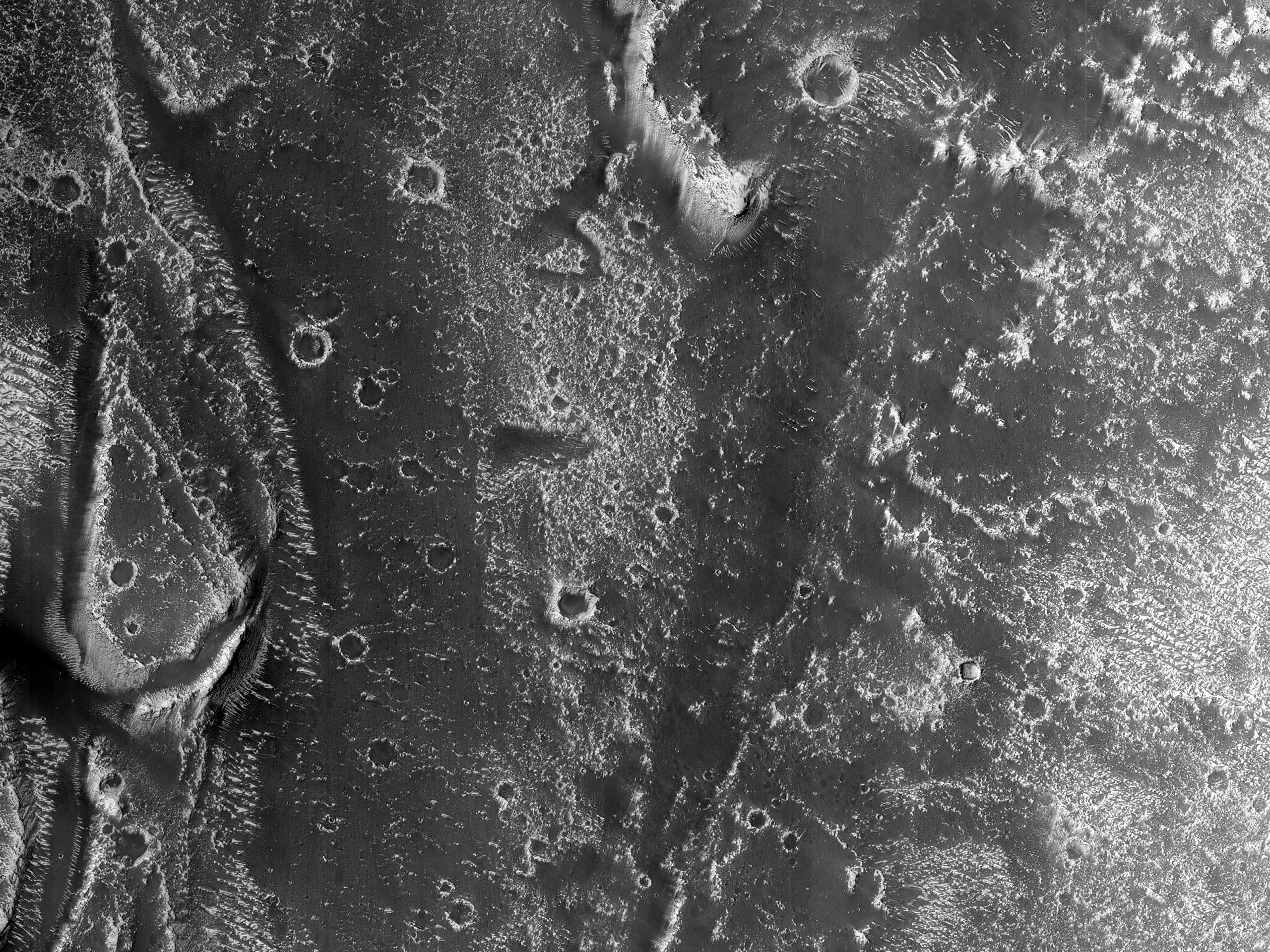 Nodweddion Daearegol Main mewn Cangen o Granicus Valles