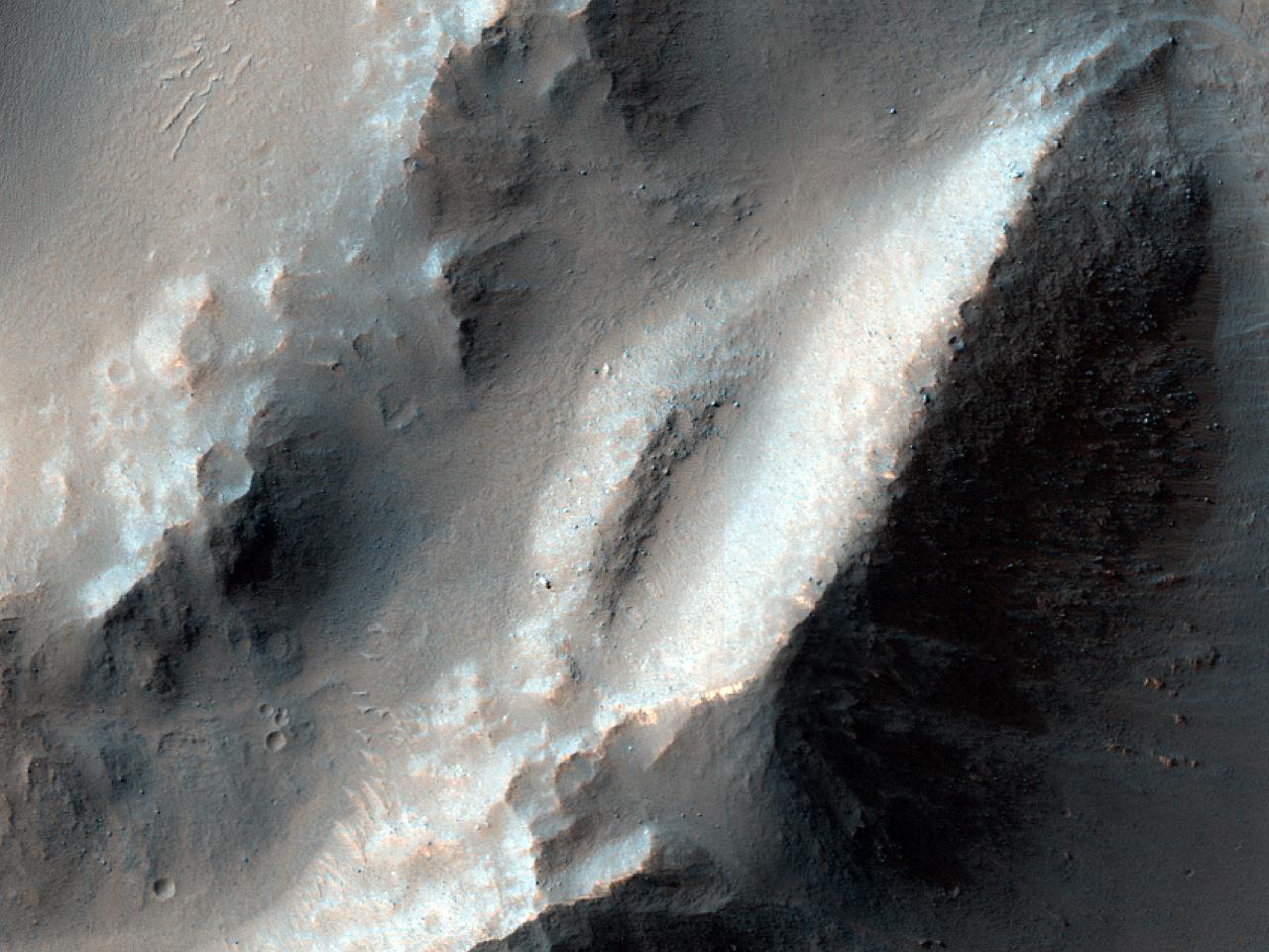 Landslide or Large Debris Flow in Melas Chasma