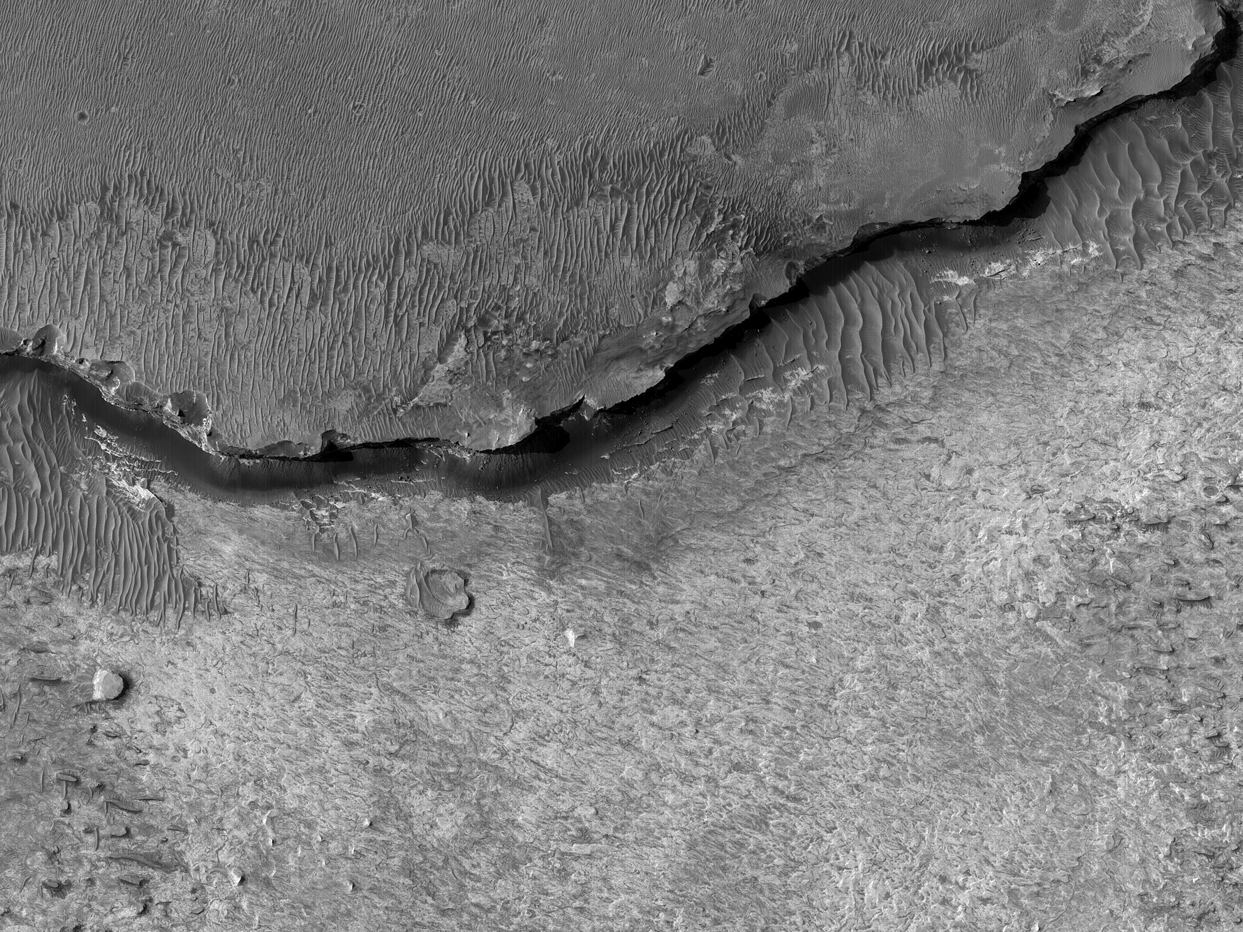 Shelf Above Hematite Region in Meridiani Planum