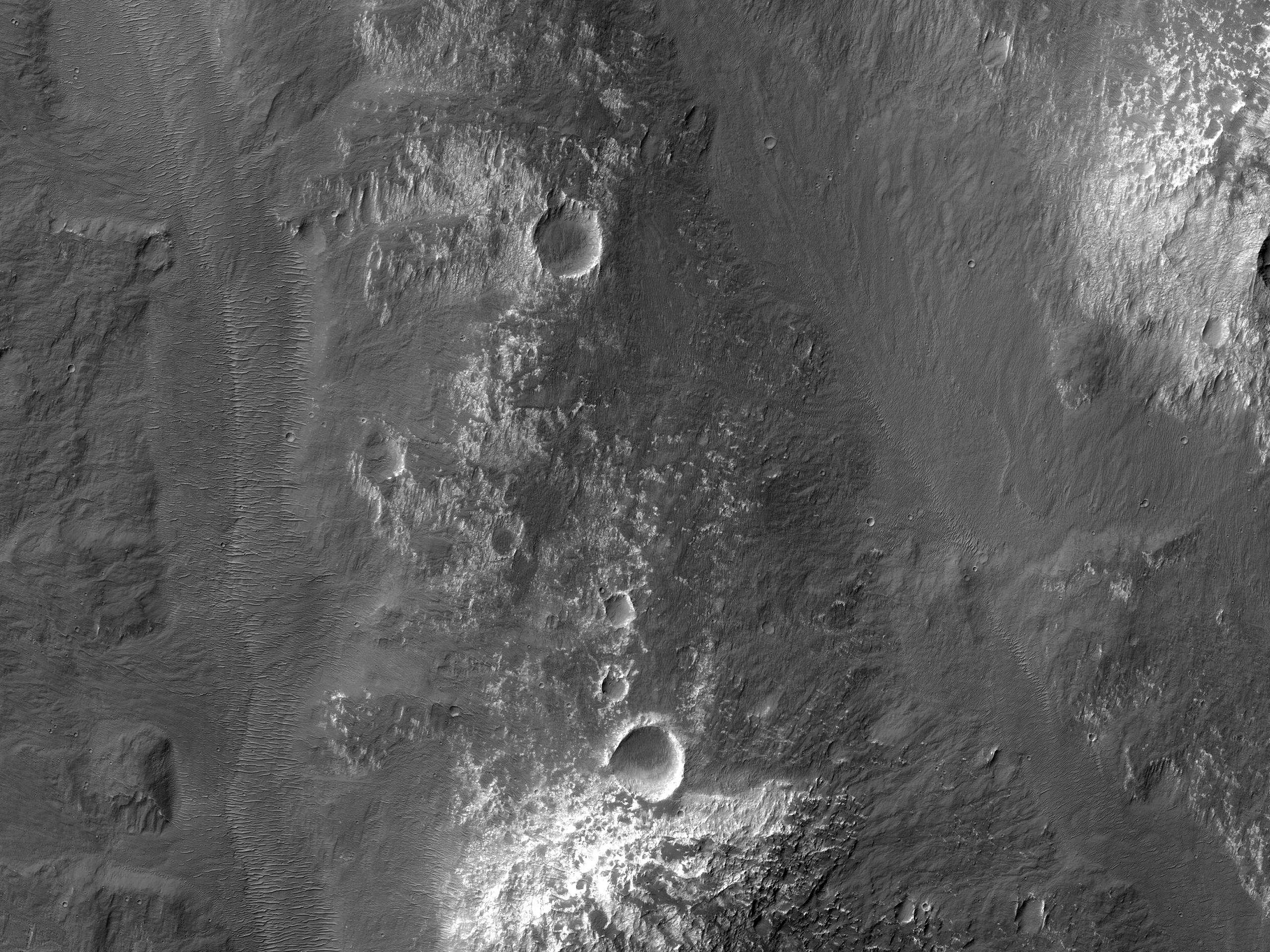 A Side Channel of Uzboi Vallis