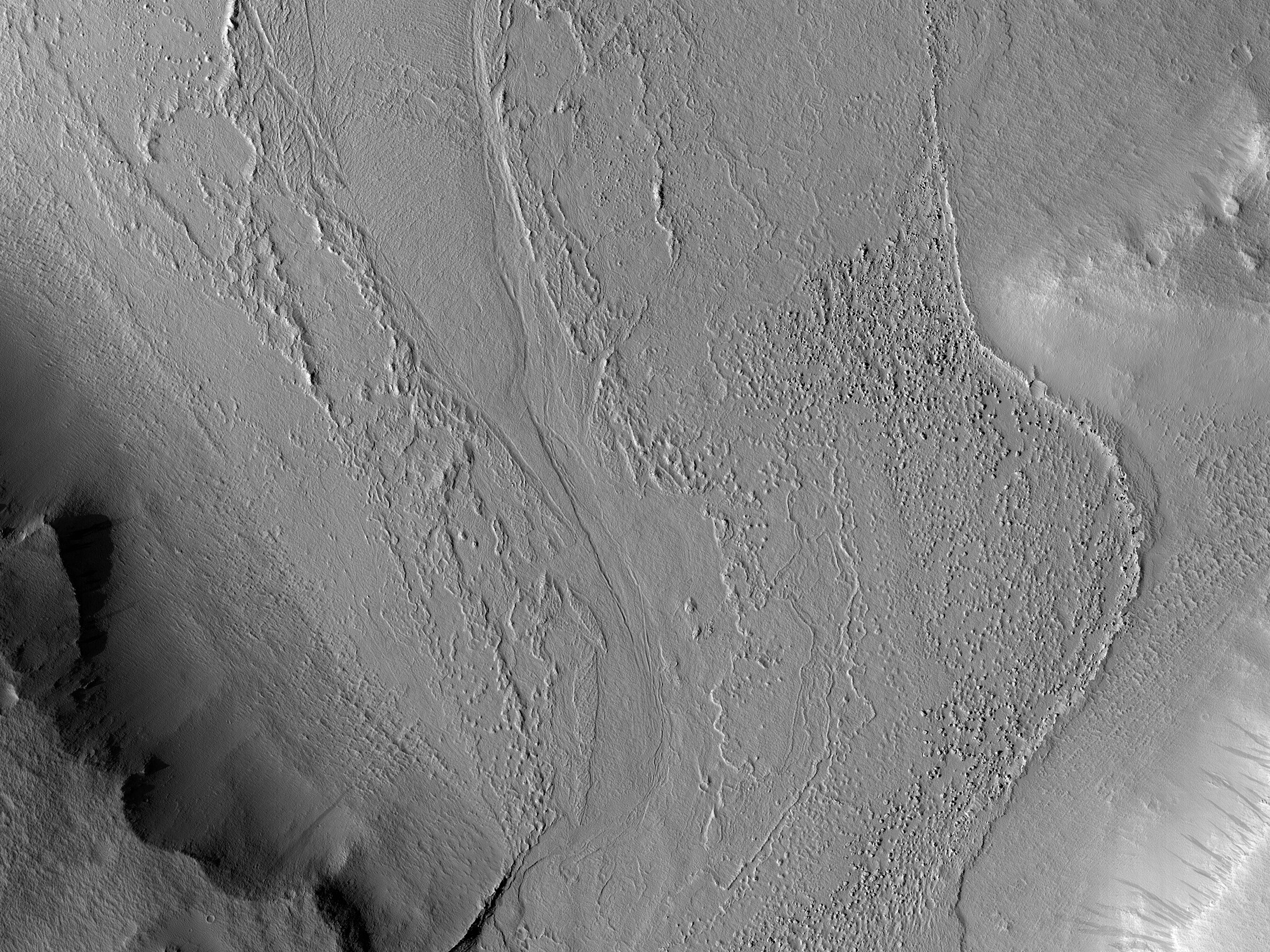 Small Channel in Tartarus Colles