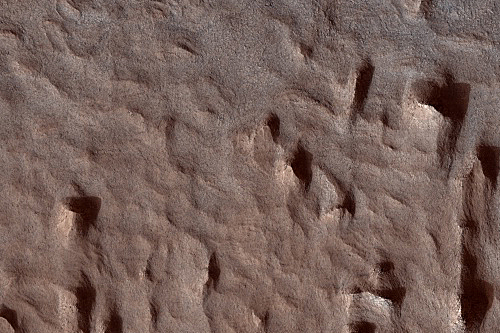 Lots of Layering in Becquerel Crater