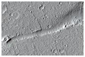 Falla geológica en Amazonis Planitia