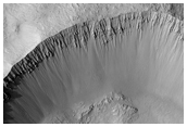 Tomini Crater, Rayed