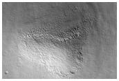 Indicios de hielo bajo la superficie en Arcadia Planitia