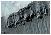 Gullies in Recent Impact Crater in Terra Sirenum