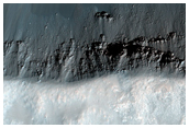 Fresh Crater in Tyrrhena Terra
