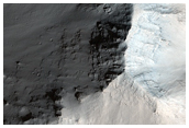 Contact between Wallrock and Light-Toned Layering in East Candor Chasma