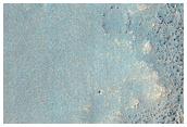 רכס מתפתל עם שכבות ב-ארגייר פלניטיה (Argyre Planitia)