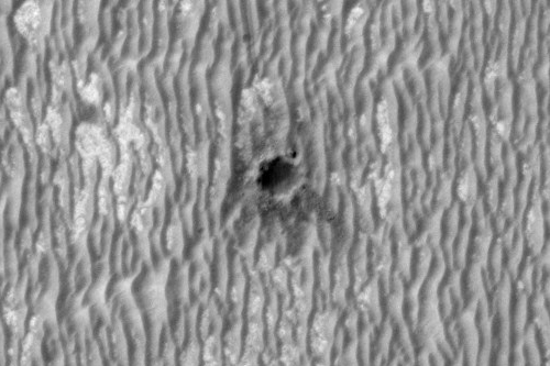 http://www.uahirise.org/images/2010/details/ESP_016644_1780.jpg