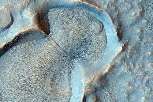 MRO (Mars Reconnaissance Orbiter) - Page 3 ESP_017260_2225