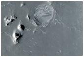 Possible Dikes in Northwest Arabia Terra