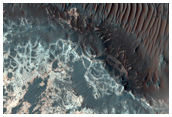 Dual-Outlined Polygon Pattern in Uzboi Vallis in MOC Image R14-02434