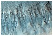 إشارات السائل و الجليد في منخفضات اكيداليا