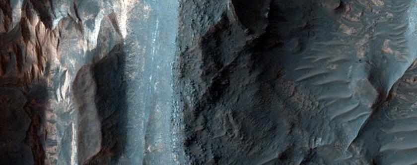 Rugged Crater Floor in Tyrrhena Terra
