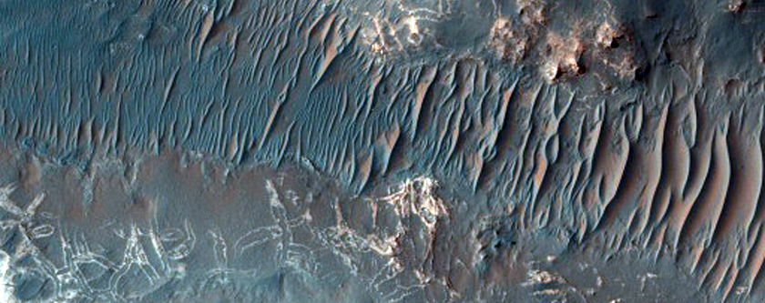 Dual-Outlined Polygyon Pattern in Uzboi Vallis in MOC Image R14-02434
